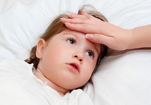 nachlazení může přejít v zánět středního ucha