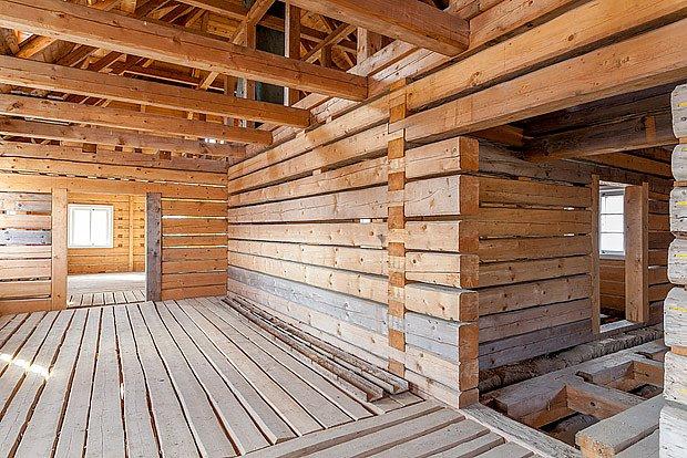 Prostorný interiér nabízí mnoho možností využití