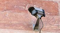 Někdy postačí i maketa kamery, která odradí zloděje