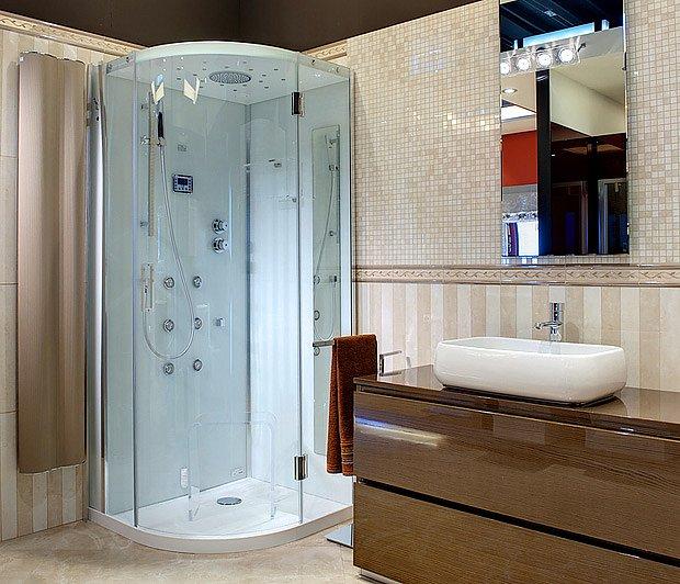 Sprchový kout by měl mít rozměry alespoň 900x900 mm