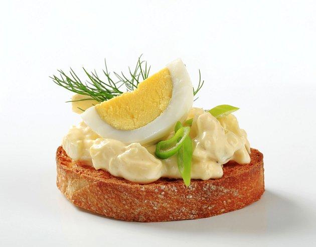 Vaječná pomazánka ke svátkům neodmyslitelně patří.