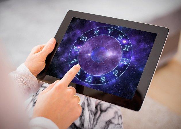 Věříte horoskopům?