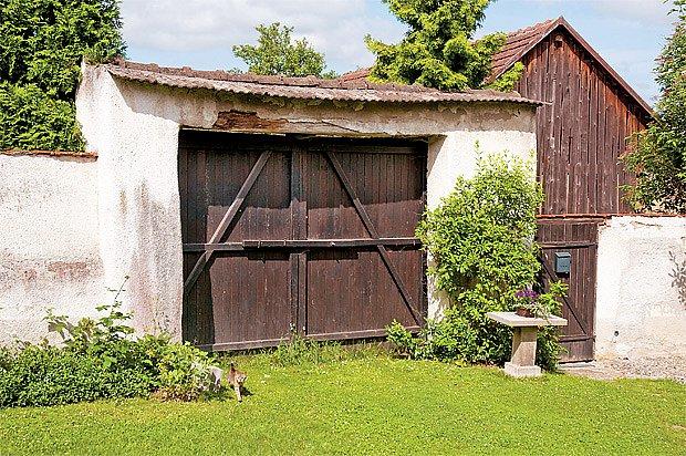Překlad brány nad rekonstruovanými vraty bude možná také potřebovat výztuhu