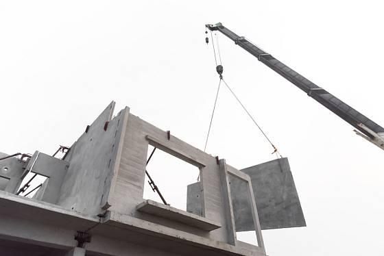 Domy montované z prefabrikátů jsou rychle postavené.