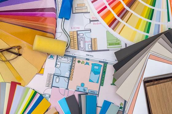 Výběr vhodných barev pro interiér bychom neměli podcenit.