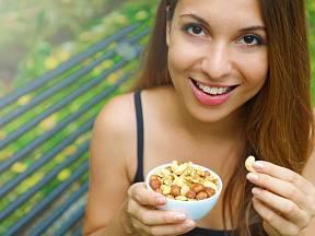 Ořechy jsou často zmiňovány jako ideální svačinka v redukčním jídelníčku.