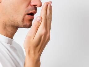 Zápach z úst zlikvidují bylinky