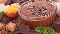 Na čokoládovou pěnu je nutných jen několik ingrediencí