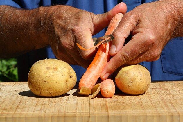 Mrkev ani brambory neloupejte.