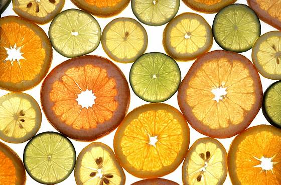 plátky pomerančů a citronů můžeme snadno nasušit