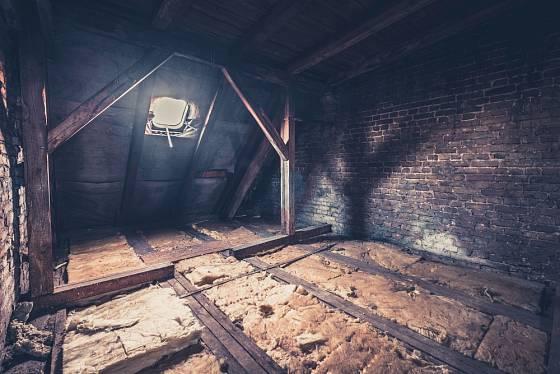 Prostor pod střechou se dá přebudovat k obývání