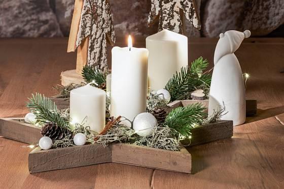 Tvar hvězdy se dá využít i pro tvorbu dekorace se svíčkami.