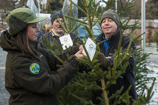 Vánoční stromky s certifikátem FSC z krkonošských lesů.