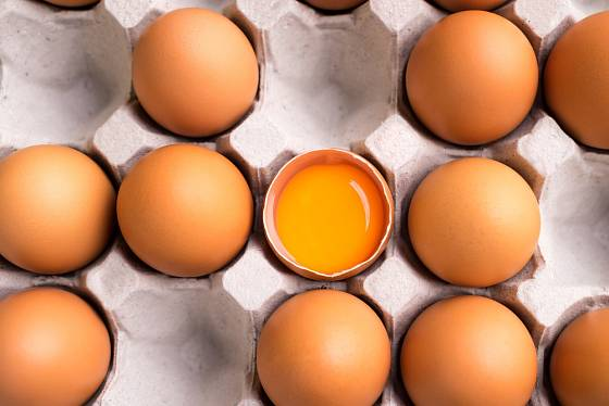 K přímé konzumaci využijte pouze čerstvá vejce, ostatní využijte k vaření a pečení.