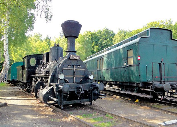 Lokomotiva z roku 1908 přezdívaná Zeměplaz
