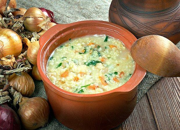 Jáhlová polévka z masového vývaru