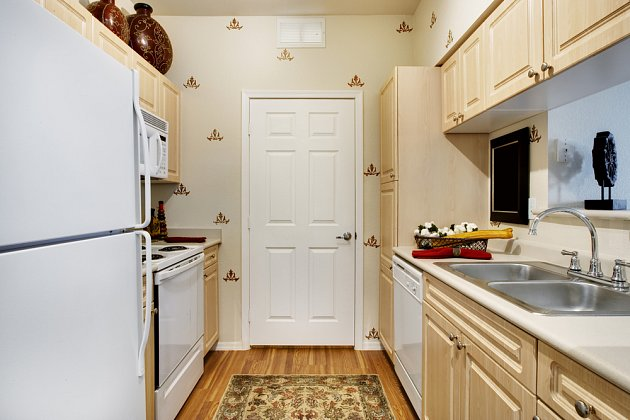 Kuchyň na malé ploše může být velký problém.