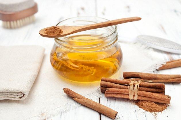 Med, skořice a zázvor - tři suroviny a nespočet léčivých účinků