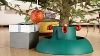 Plastové stojany na vánoční stromky se vyrábějí v mnoha variacích