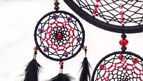 Symetrie sítě je symbolem harmonie.