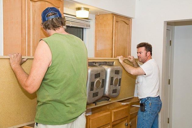 I kuchyňskou desku je po čase potřeba vyměnit.