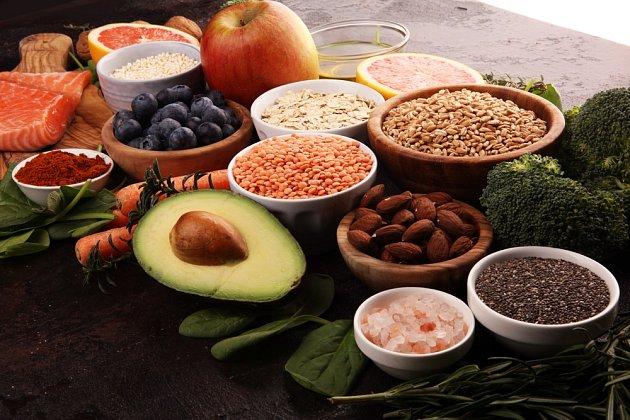 Tlusté střevo potřebuje dostatečné množství omega-3 mastných kyselin, vitamínu D, vápníku a flavonoidů