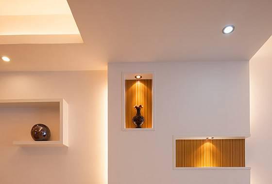 osvětlení v předsíni může mít dekorativní charakter