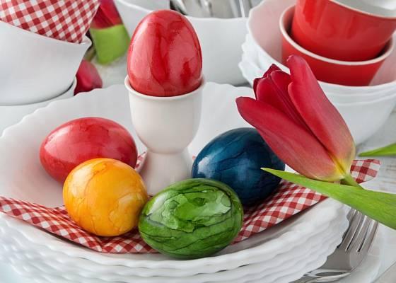 Každá z barev na vajíčkách je jiným symbolem.