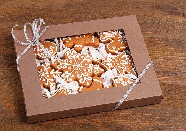 Vánoční cukroví zabalené v krabici může být i skvělým dárkem.