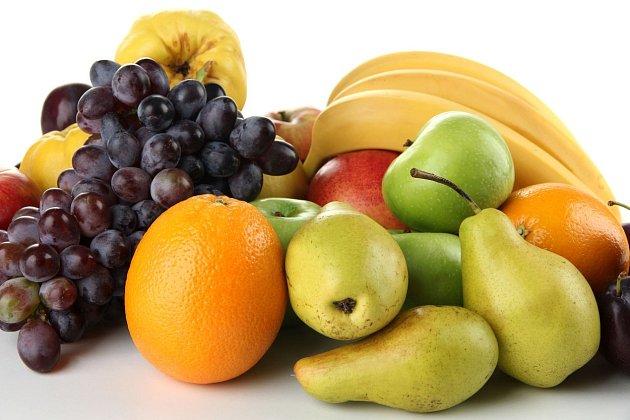 Ovoce je nejen bohatým zdrojem vitamínů, ale i cukrů...