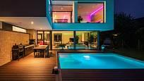 Mít tak vyhřívaný bazén u domu!