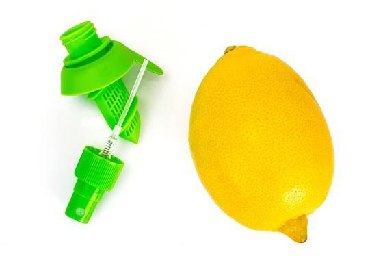 Potřebujete pouze trochu citronové šťávy? Připravte si sprej.