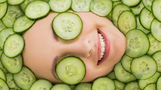 Okurky můžeme úspěšně používat také v domácí kosmetice.