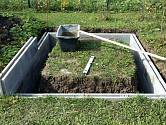 Takhle budování skleníku začalo...
