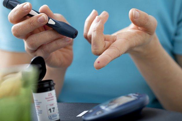 testování hladiny cukru v krvi