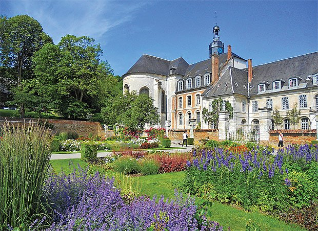 klášterní zahrada ve Valloires