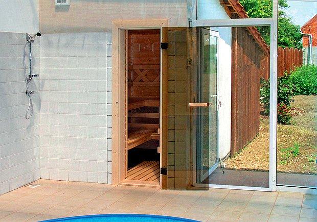 Ochlazovna by měla nabídnout jak sprchu, tak káď či malý bazének