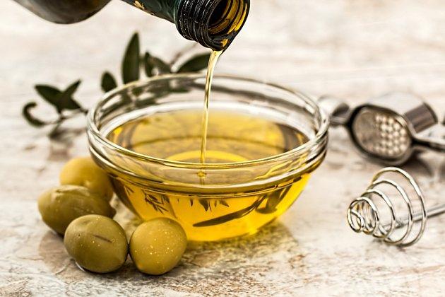 Olivový olej je známý protizánětlivými účinky.