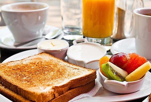 Můžeme například vyzkoušet, jak chutná snídaně doplněná kouskem ovoce.