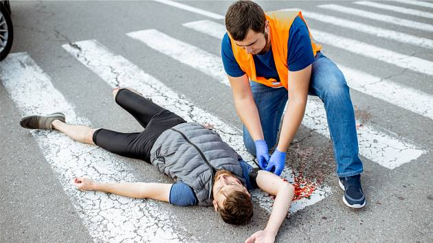 Při masivním krvácení je nejdůležitější co nejrychleji je zastavit