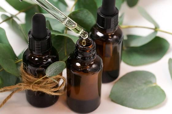 Eukalyptový olej působí příznivě při onemocněních dýchacích cest.