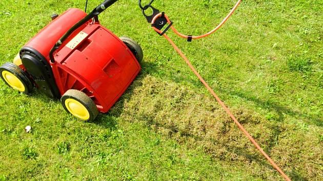 Provdušňovač umožní trávníku dýchat