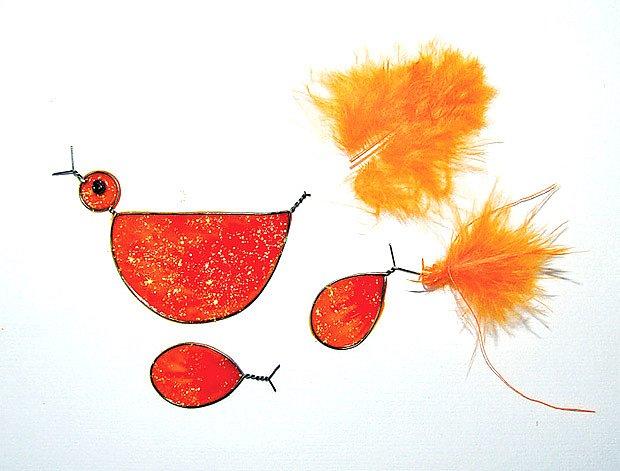 ptáčci s barevnými peříčky