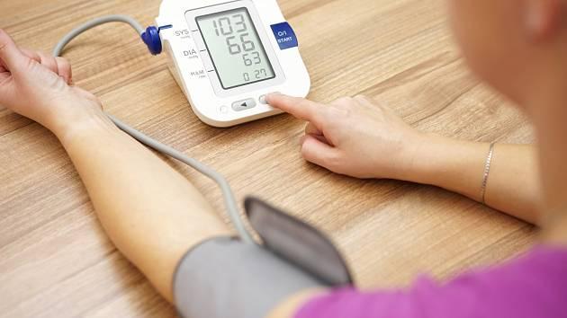 Přístroje na domácí měření tlaku jsou dnes již běžně dostupné. Pečlivě si vyberte.