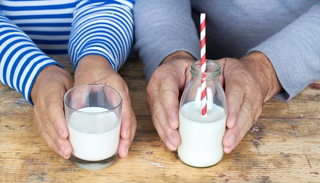 Pokud netrpíte intolerancí laktózy, mléko můžete pít i ve vyšším věku