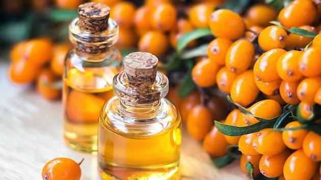 Velmi účinnou složkou mnoha kosmetických i léčivých přípravků je rakytníkový olej.