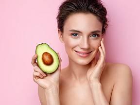 Avokádo omladí vaši pokožku z venku i zevnitř
