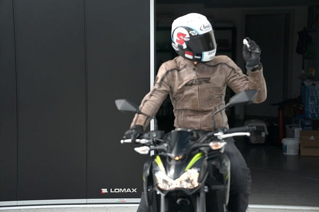 Komfortní ovládání garážových vrat LOMAX.