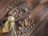 Jedním z dobrých domácích pomocníků může být i ricinový olej