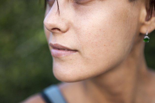 Stárnutí pokožky nastupuje pomalu, ale jistě